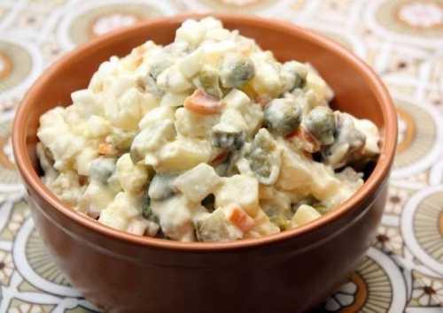 салат с крабовыми чипсами: как его приготовить